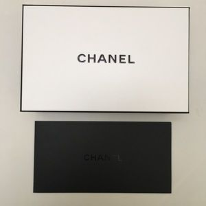 Chanel White Gift Box and Envelope